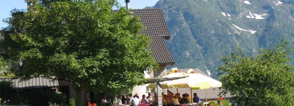 Restaurants in Verdasio: Alla Capanna Monte Comino